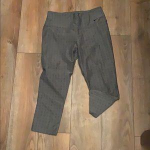 Nike Pants - Nike dry fit crops
